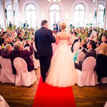 Einzug Kirche Hochzeit