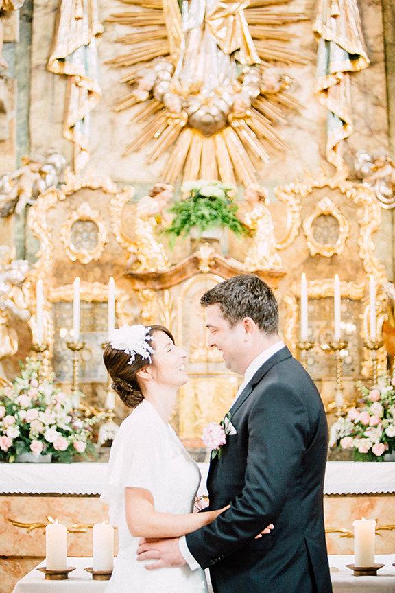 Kuss in der Kirche
