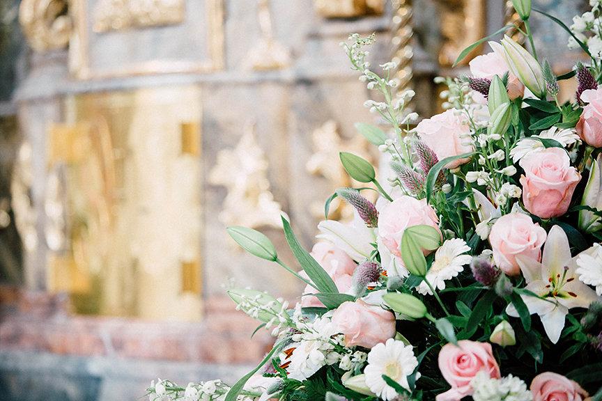 Blumenschmuck Hochzeit in der Kirche