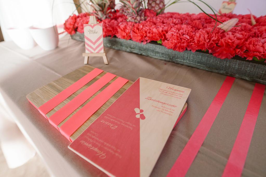 Neon Trendtisch Hochzeit
