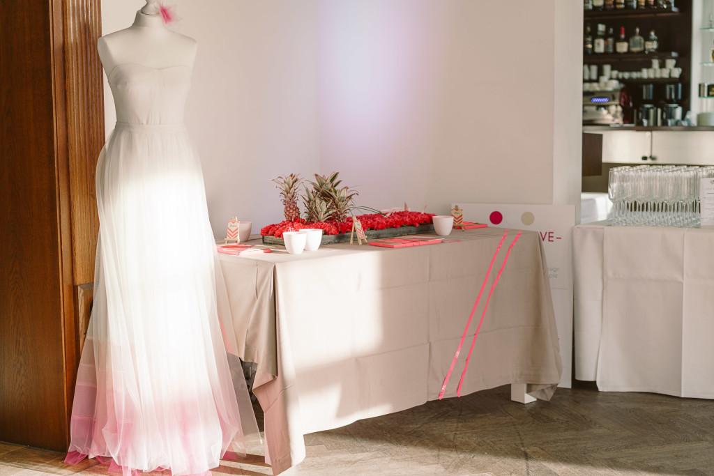 Hochzeit neonpinke Farben